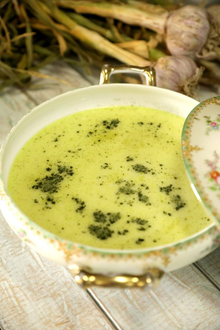Roasted Garlic Soup with Coconut Milk