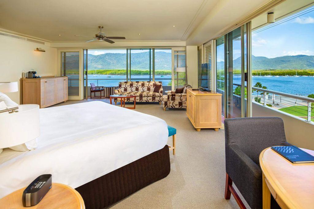 pullman reef hotel