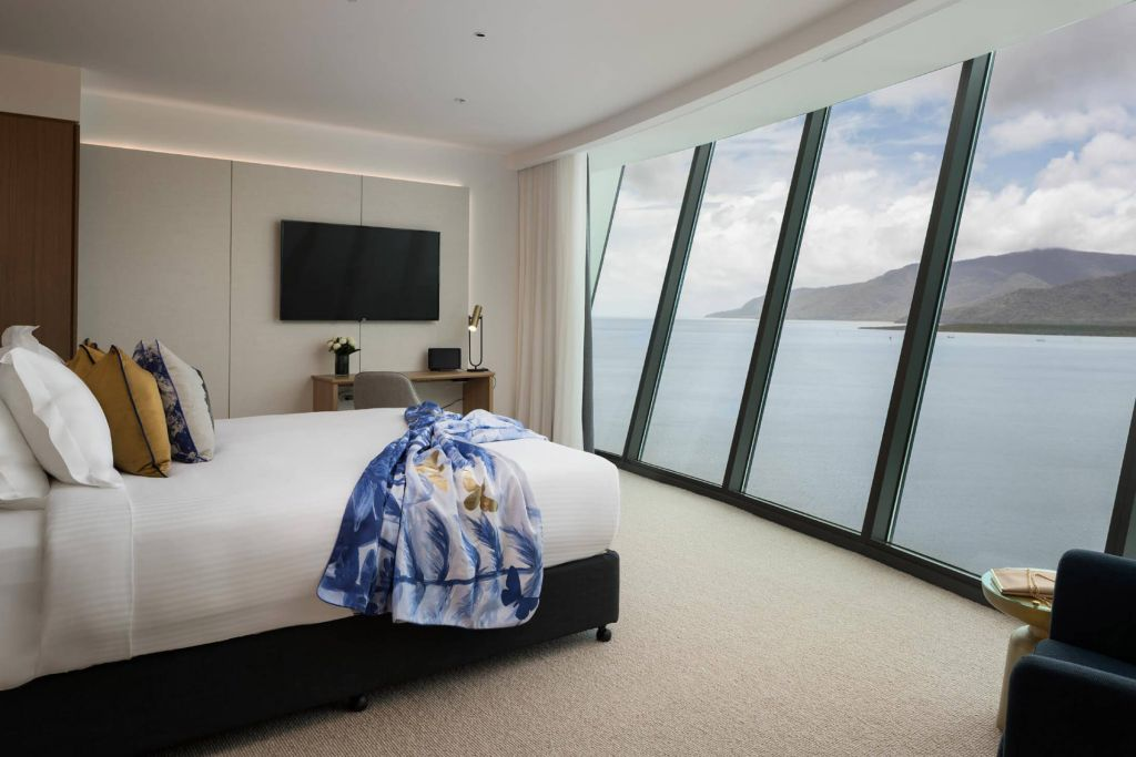 riley hotel cairns