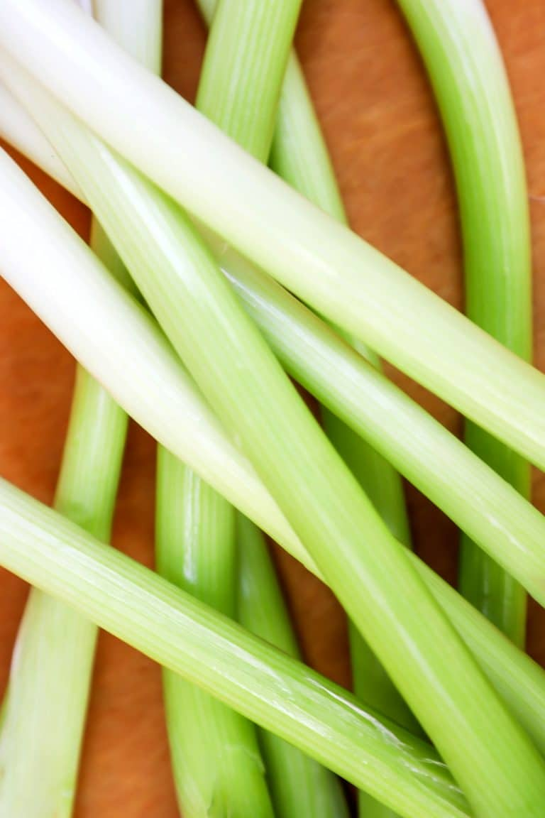 Scallions vs Green Onions: What's the Difference?