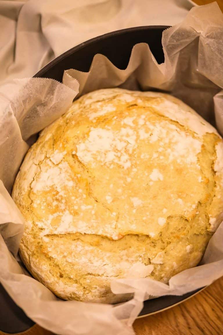 Dutch Oven Bread (No Knead)