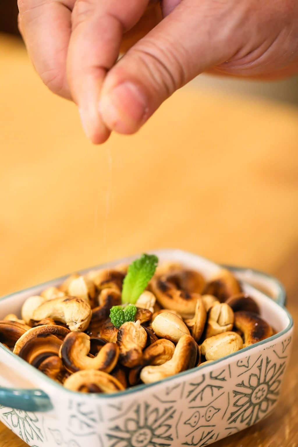 how to roast cashews