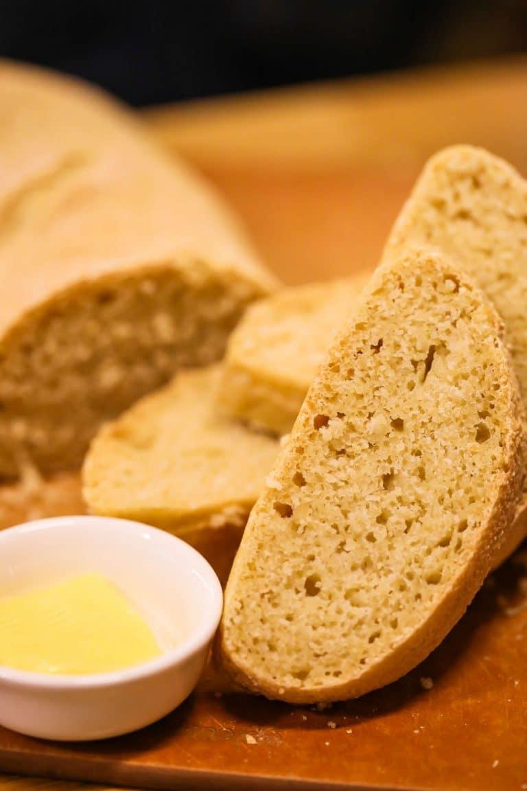 Simple Semolina Bread (Crunchy & Wholesome)