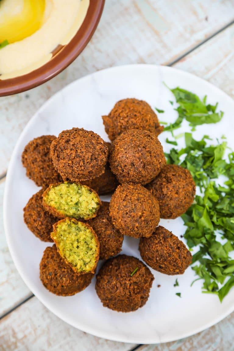 Falafel (The Crispy Traditional Way)