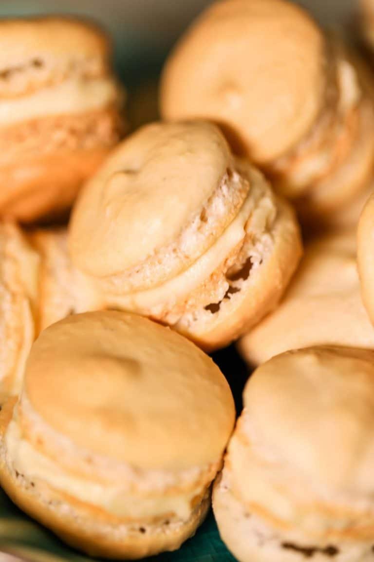 Simply Delicious Vanilla Macarons Recipe